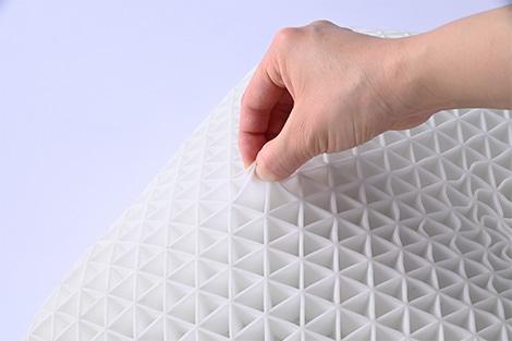 TPE樹脂は丈夫でしなやか。抜群の耐久性があります。